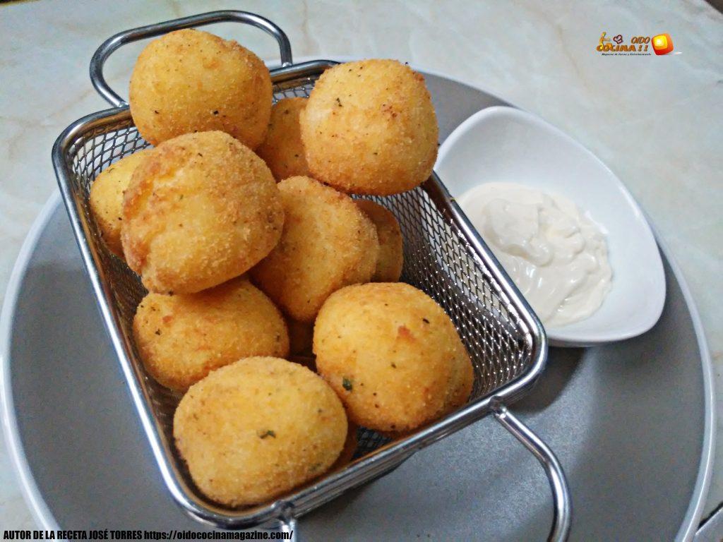 Bolitas de patata rellenas de queso
