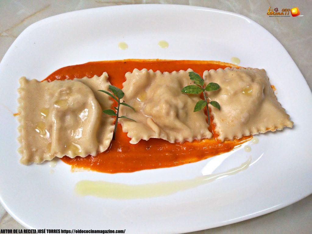 Raviolis Caseros Rellenos de Carne con Salsa de Tomate Natural